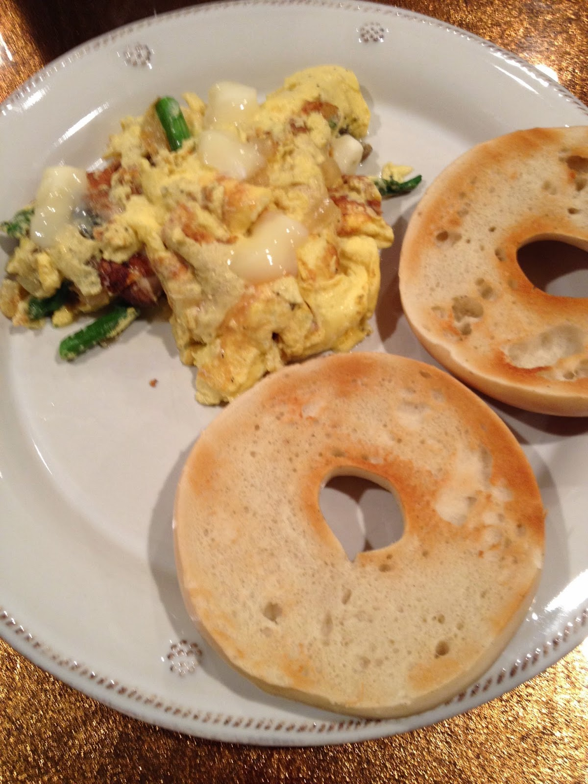 Asparagus-Mushroom-Omelette-with-Brie-cheese