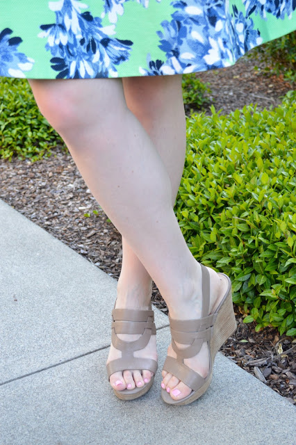 beige-wedge-sandals