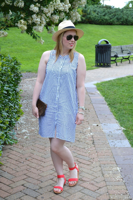 navy-and-white-dress-outfit