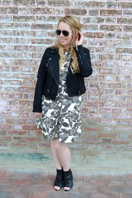 how-to-wear-floral-dress-in-fall