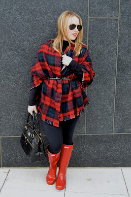 blanket-scarf-as-poncho-outfit