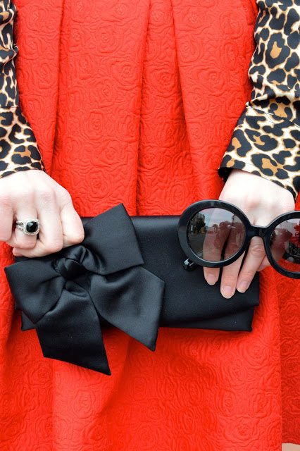 black-bow-clutch