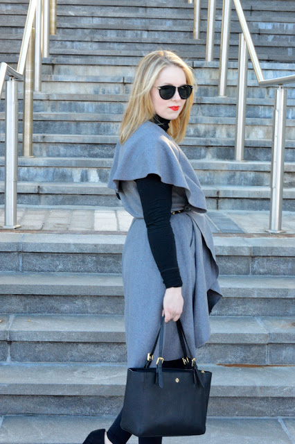 grey-trench-outfit
