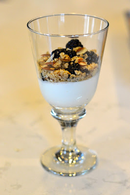 yogurt-berries-granola-recipe