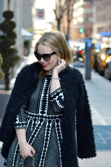 faux-fur-black-jacket-outfit