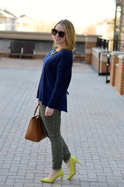 navy-citron-outfit