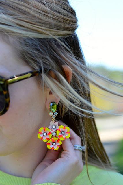 flower-statement-earrings