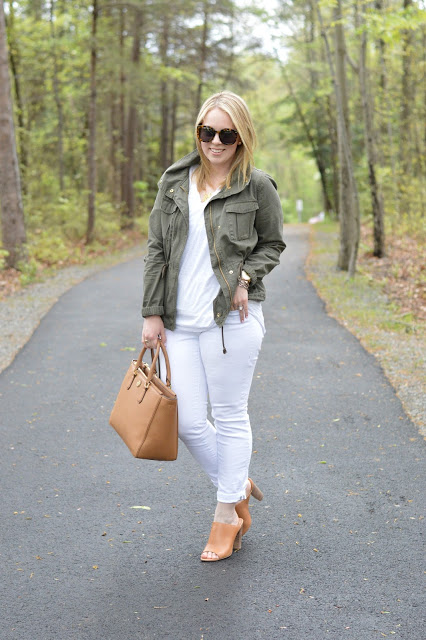 white-jeans-spring-outfit