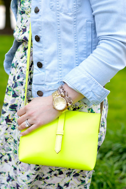 citron-crossbody-bag-outfit