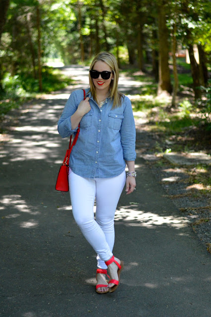 chambray-shirt-summer-outfit