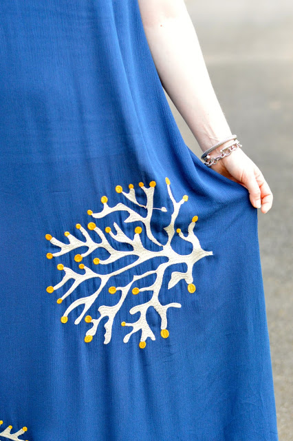 embroidered-dress-outfit