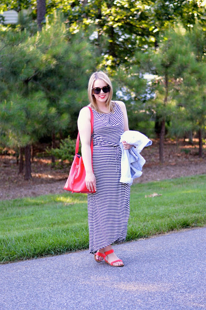 stripe-dress-outfit-ideas
