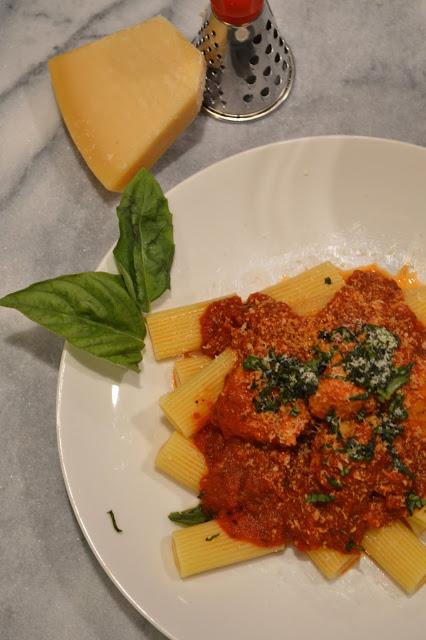 pasta-with-chicken-parmesan-meatballs