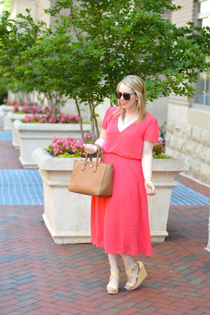 coral-dress-outfit-ideas