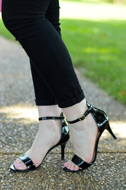 nordstrom-black-sandals