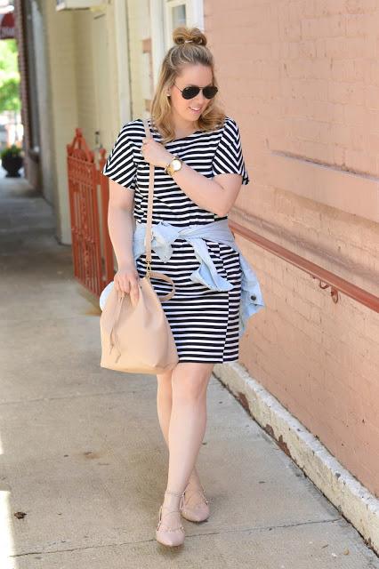 black-white-stripe-dress-outfit
