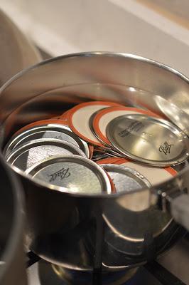 sterilize-lids-canning