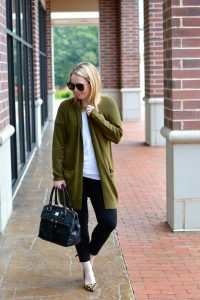 olive green oversized sweater outfit