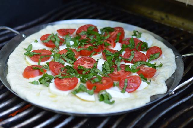 grilled-caprese-pizza-recipe