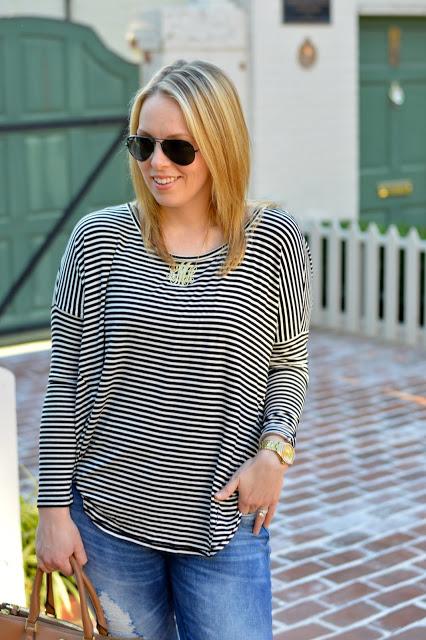 stripe-tee-casual-outfit-idea