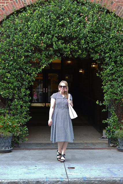 gingham-summer-dress-outfit