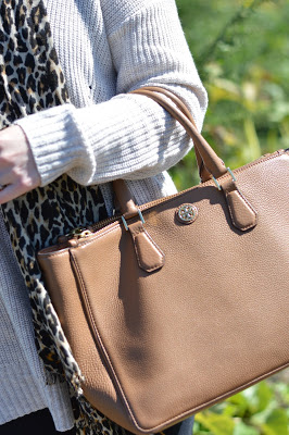 camel-tory-burch-robinson-tote