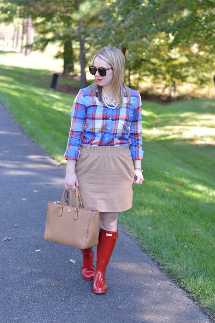 cute-fall-skirt-plaid-shirt-outfit