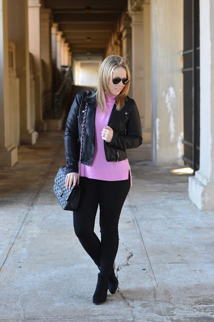 pink-j.crew-turtleneck-sweater-outfit