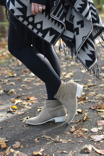 grey-ankle-booties-outfit