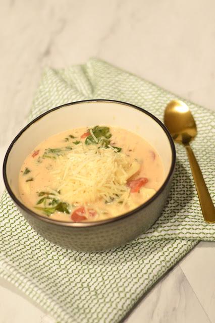 easy-winter-crockpot-soup