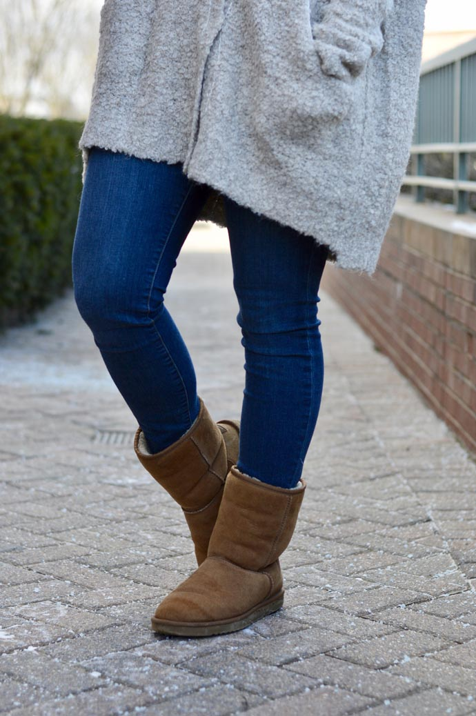 winter-outfit-with-uggs