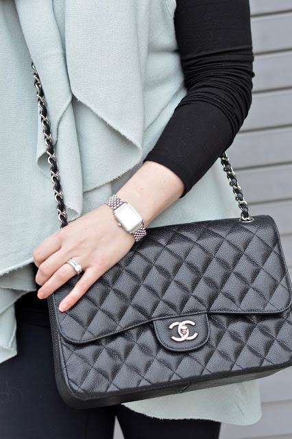 chanel-classic-jumbo-handbag