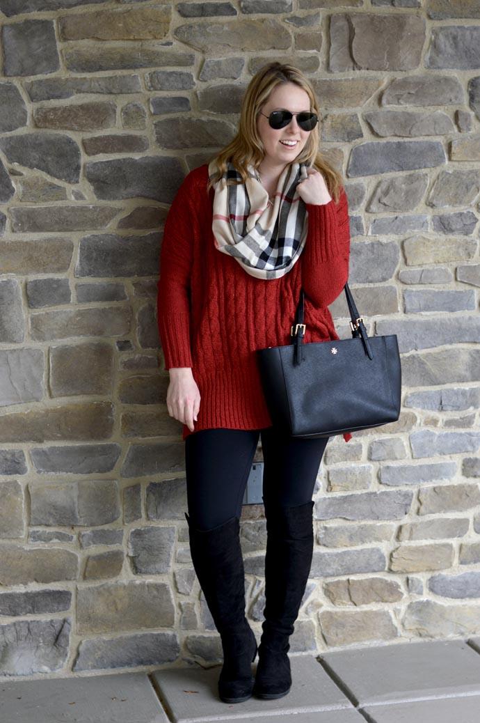 oversized-v-neck-sweater-leggings-outfit