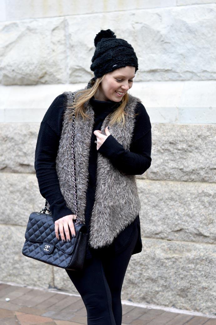 how-to-wear-faux-fur-vest