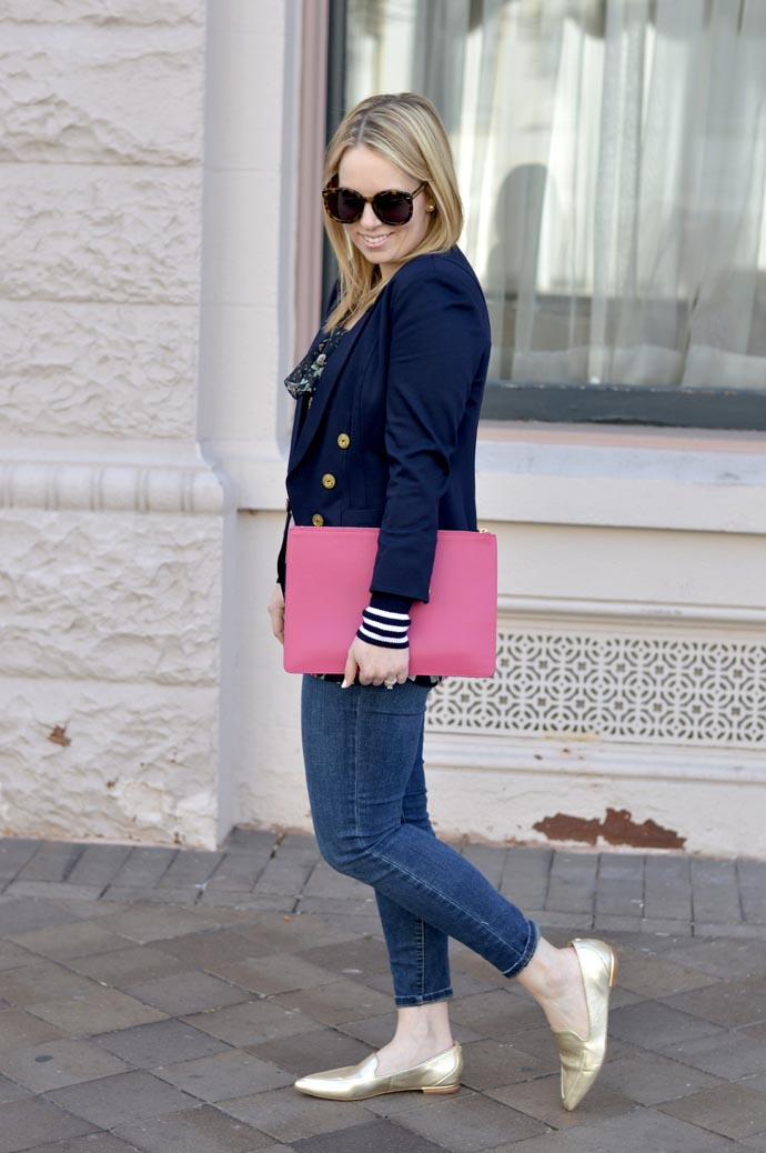 jeans and blazer spring outfit idea