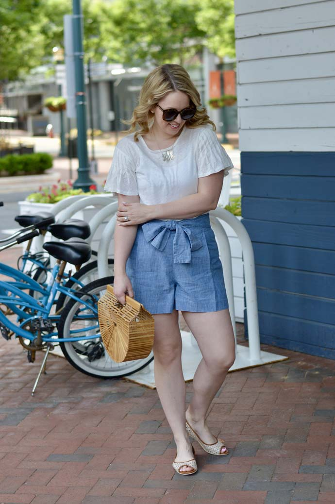chambray shorts summer outfit