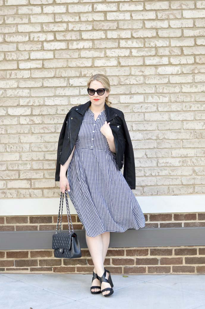 how to style a gingham dress into fall