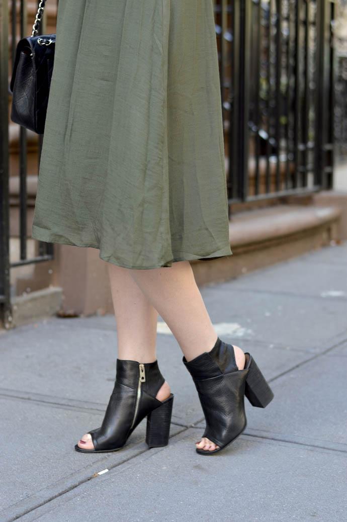 block heel ankle bootie