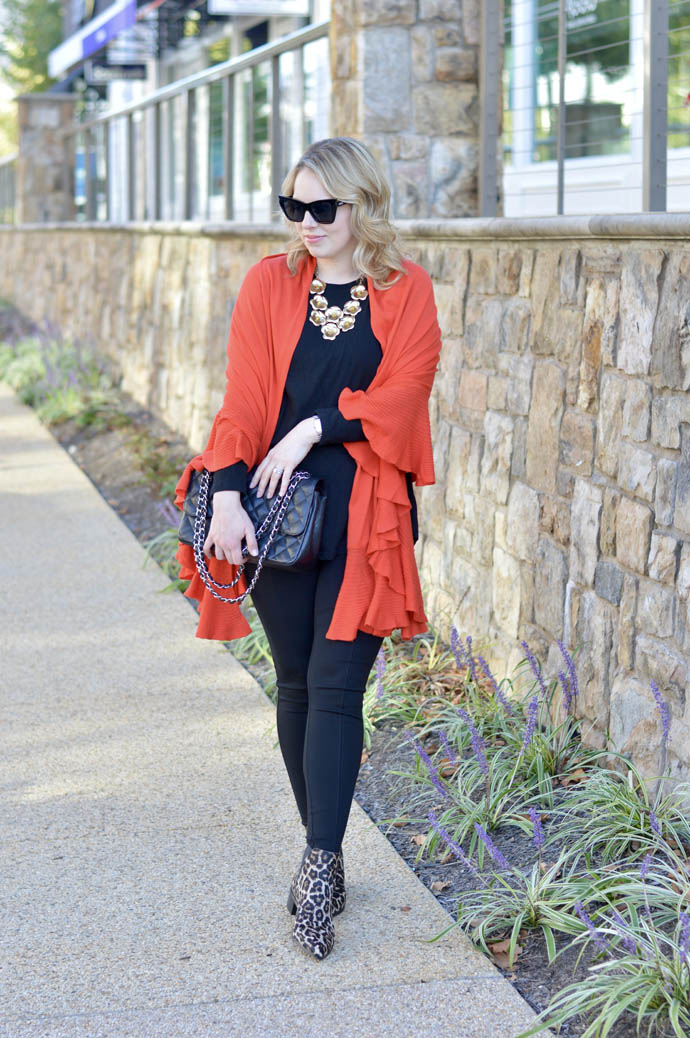fall shawl outfit idea