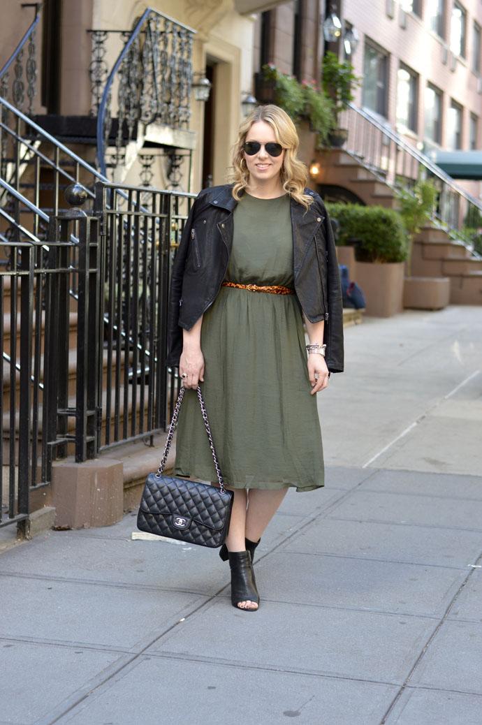 green dress leopard belt outfit