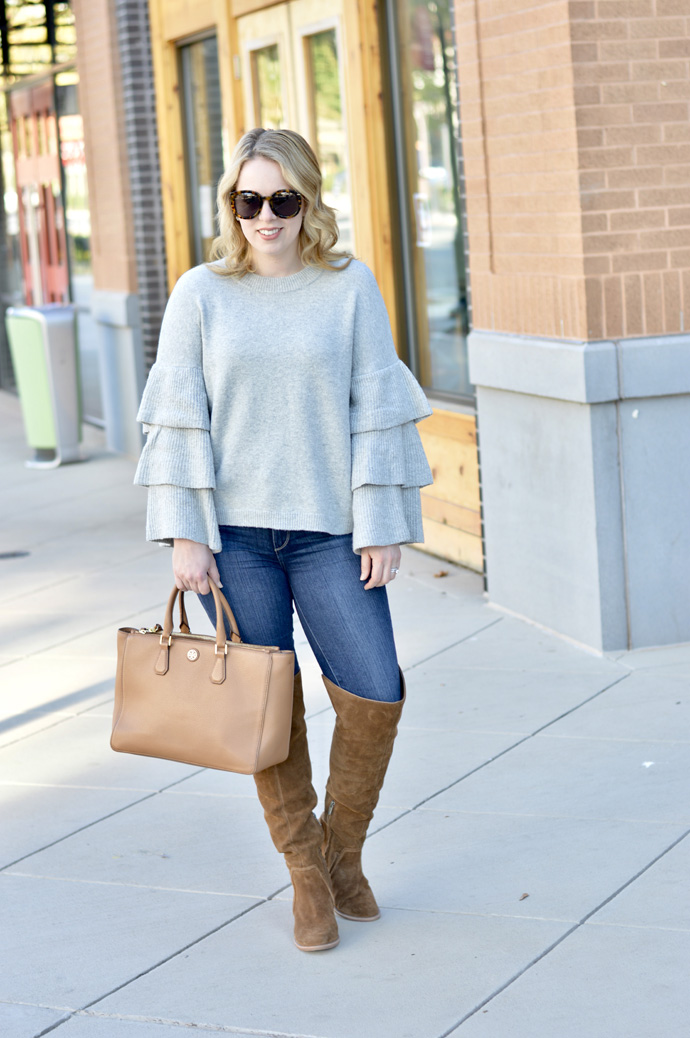 grey sweater fall outfit idea