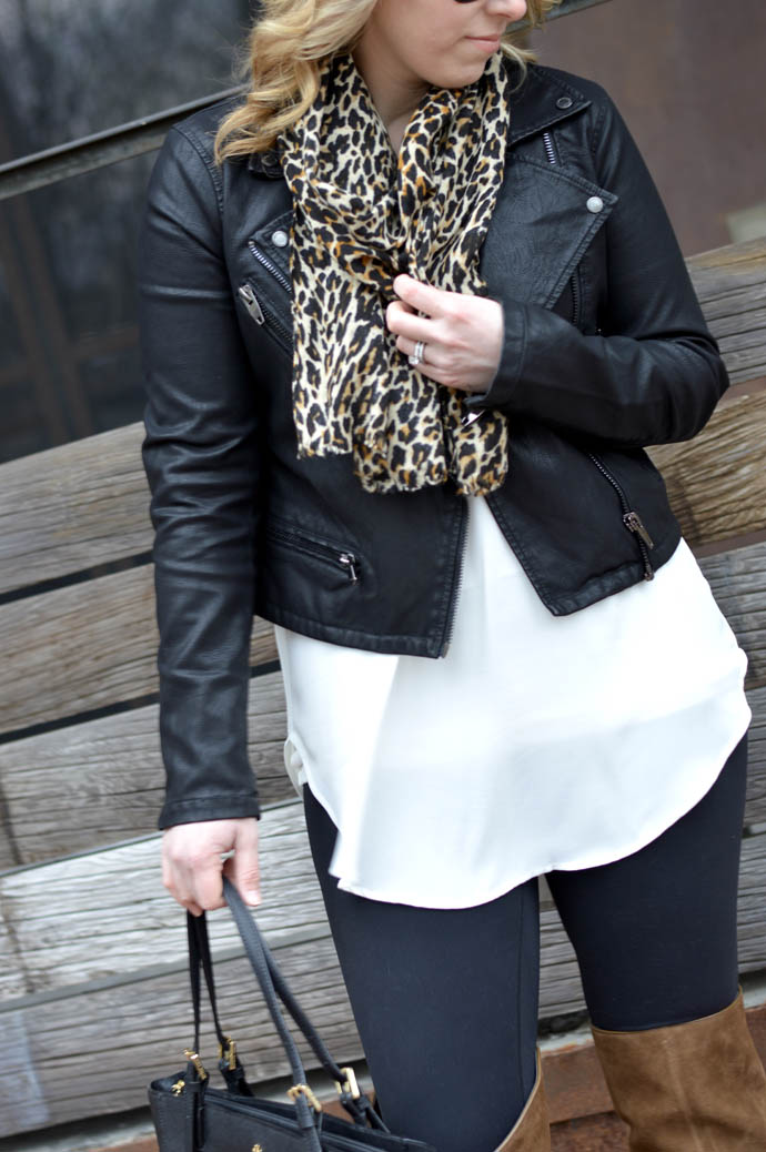 how to wear leopard leopard scarf