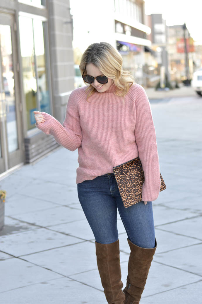 pink sweater outfit idea